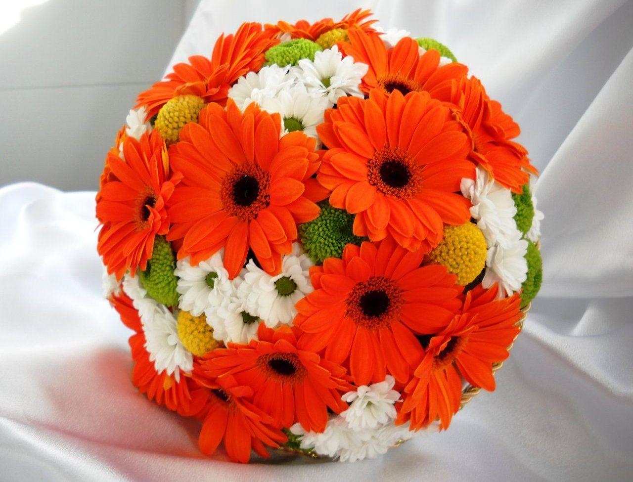 букеты оранжевых цветов такой отделки
