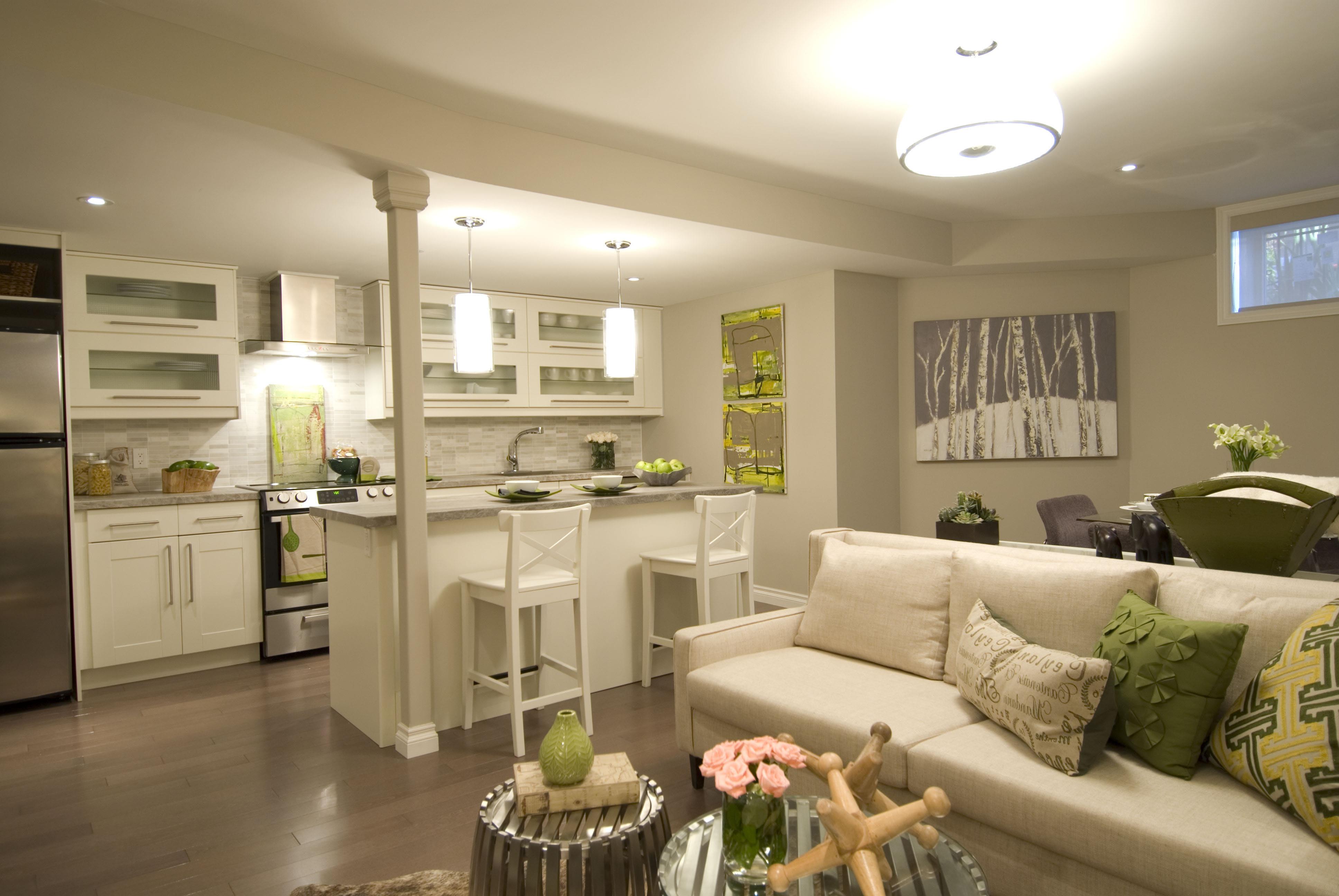 Совмещенная кухня с гостинной картинки