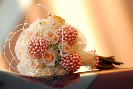 Букет невесты в персиковом цвете (фото)
