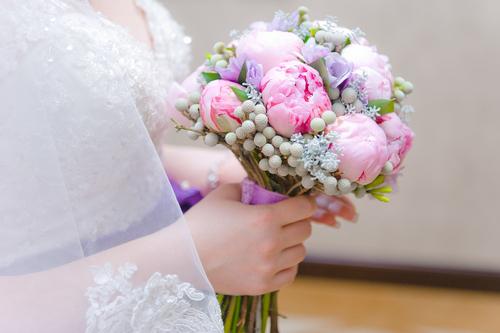 Сиреневый свадебный букет невесты – правильный выбор композиции (фото)
