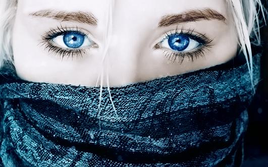 Голубые глаза: макияж на любой случай