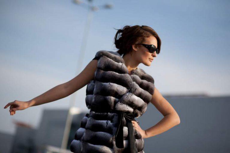Модные меховые жилеты 2019 – какие модели возглавляют рейтинги модных трендов